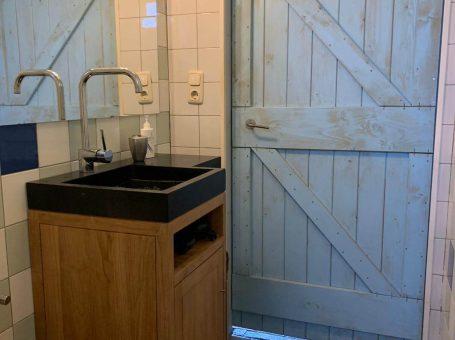 badkamermeubel vakantiehuis Grathem